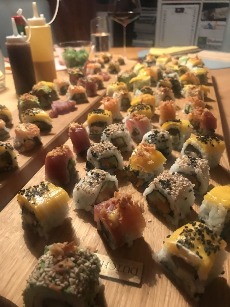 Sushi-Grundkurs Teil 4: Inside-Out Sushi rollen